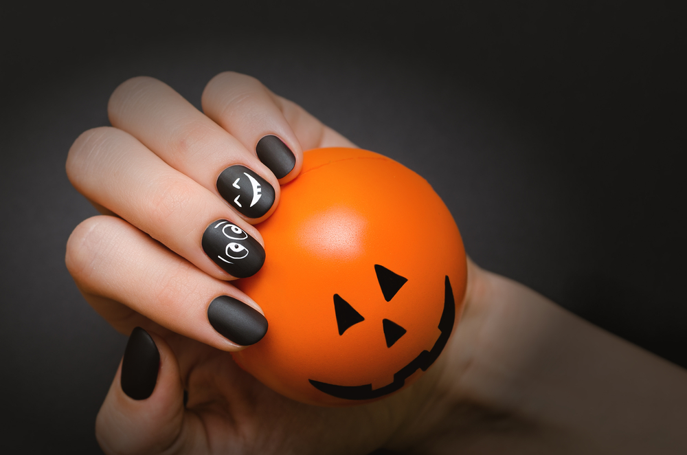 6 cute halloween nail art ideas that are festive but not freaky