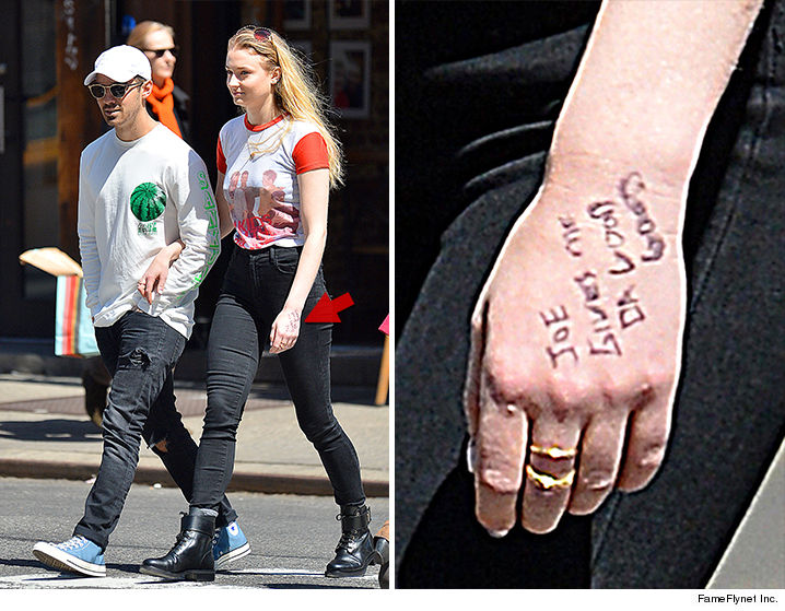 Joe Jonas Is Forcing His Gf Sophie Turner To Tell Everyone