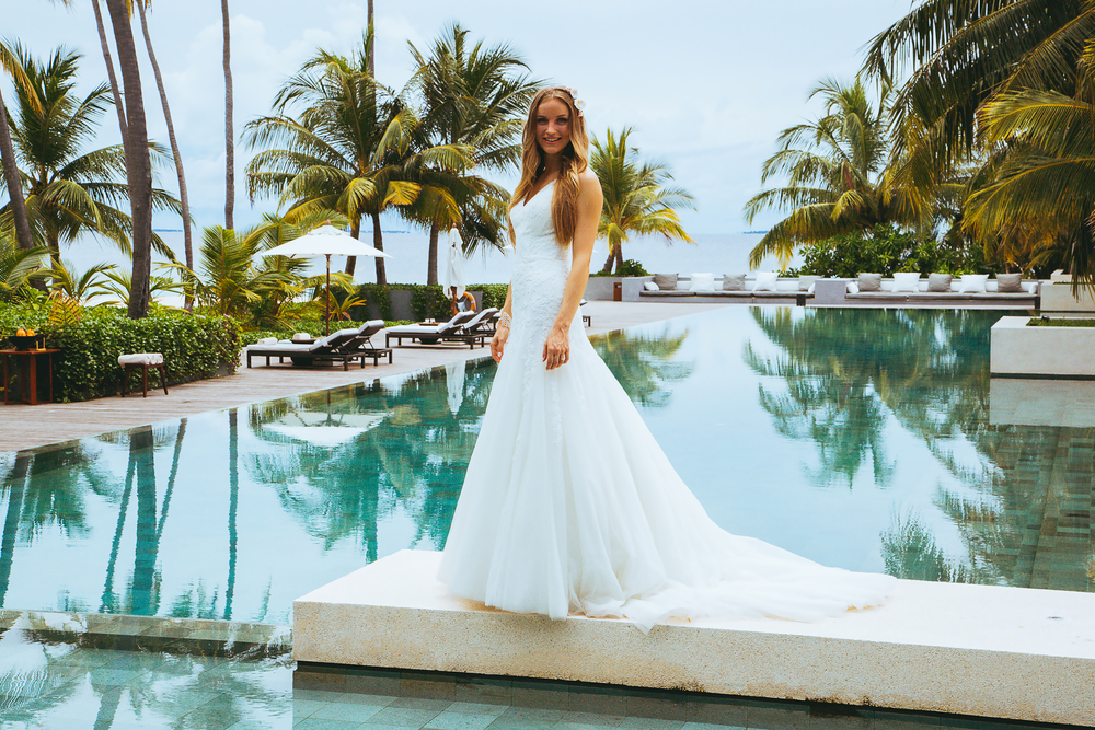 What Your Wedding Dress Silhouette Says About You & How Insufferable ...